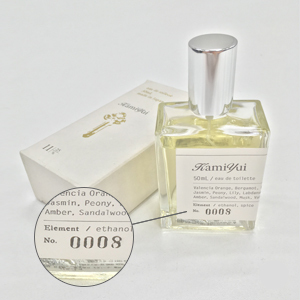 吉井和哉オリジナルブランド「KeY」にて販売されていた香水「KamiYui」